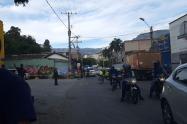 La víctima se movilizaba en un carro particular por ese sector de Medellín