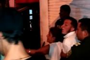 Policías y habitantes protagonizaron pelea en la comuna 13 de Medellín