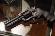 Por $200 mil pesos, sicarios en Medellín alquilan armas para cometer los crímenes