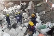 Desplome de techo de bodega en Medellín
