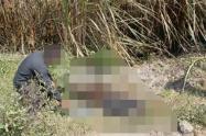 El cuerpo de esta persona fue trasladado hasta las instalaciones de Medicina de Legal, para establecer las causas reales de su muerte.