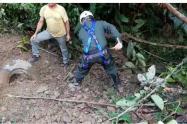 Las labores de búsqueda son apoyadas por el cuerpo de bomberos de San Luis, Antioquia