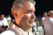 ¿De qué me hablas viejo?: Duque a periodista tras pregunta sobre bombardeo