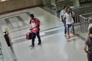 Susto en el Metro de Medellín por maleta abandonada por un pasajero