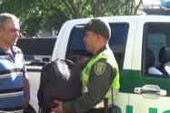 Policía de Medellín encontró 4 millones de pesos y los devolvió a su dueño