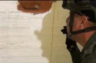 En cárcel de Segovia, Antioquia, encuentra marihuana y celulares metidos en los adobes