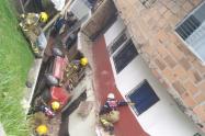 Un vehículo se fue contra una vivienda en el barrio Castilla de Medellín