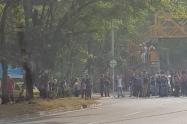 Con presencia de encapuchados y bloqueos  en dos vías de Medellín, continúa marcha de estudiantes
