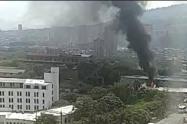 La emergencia se reporta cerca al comando de la Policía del municipio, en el barrio Niquía.