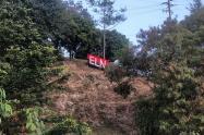 Instalan bandera del ELN en el Cerro Nutibara de Medellín