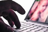 Cárcel para hombre que divulgó videos sexuales de su hijastra en internet