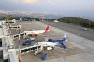"""Domingo a la media noche es la """"hora cero"""" para cierre de aeropuertos en Colombia"""