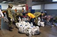 El ejército entregó 200 mercados a familias vulnerables del nororiente de Medellín