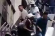 Policía evitó de una riña de usuarios del Metro en plena escaleras eléctricas de la estación San Antonio