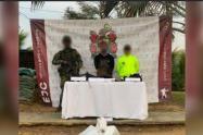 """En este operativo fue capturado Alias """"Jordán."""" Estas dos personas serían los presuntos responsables del asesinato de un conductor en Tarazá, Bajo Cauca, antioqueño."""