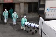 España reportó 832 muertos por coronavirus en 24 horas, nuevo récord diario