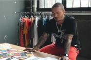 Críticas a J Balvin por divulgar imagen para vender tapabocas con diseños