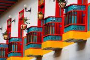 Con plantas en la puerta de la casa, la Iglesia en Medellín invitó a las familias a unirse al Domingo de Ramos