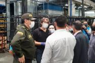 Policía apoyó entrega de 150 camas para COVID- 19 en Envigado