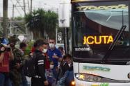 Bajo estrictos controles para evitar el coronavirus, la Alcaldía de Itagüí facilitó el retorno a su país de 50 venezolanos