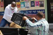 Personas inescrupulosas estarían acaparando los mercados que entrega la Alcaldía de Medellín