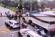 Con bloqueos en las vías, habitantes del corregimiento de San Cristóbal de Medellín protestan por falta de recursos
