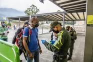 Plazoleta de ingreso a las estaciones del Metro de Medellín