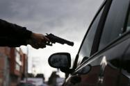 Hurto de película, un escolta hirió a un presunto ladrón cuando robaba una camioneta en Medellín