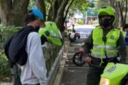 Por violar la cuarentena, la policía desmontó 22 cambuches de habitantes en condición de calle en Medellín
