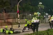 Conductor drogado embistió dos motos de la policía en el barrio El Poblado de Medellín