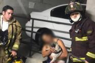 Rescatan un perro atrapado en un incendio en Sabaneta