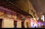 Una persona lesionada dejó incendio de un taller de motos en Medellín
