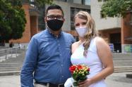 Novios se casan en Itagüí, Antioquia.