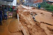 Susto en Bello por tremendo aguacero en el barrio al Gabriela