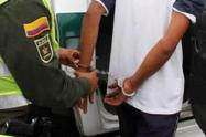 """Se hicieron pasar como integrantes de """"La Oficina"""" para secuestrar a una comerciante de oro y su hijo en Medellín"""