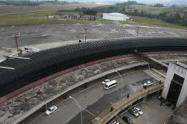 El motivo, verificar los protocolos que permitan la reapertura gradual de las terminales aéreas.