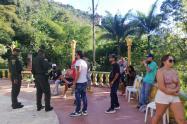 Se creen inmortales, otras 26 personas las cogieron en tremenda parranda en finca de Barbosa, Antioquia