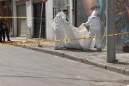 Fue a sacar su moto y lo mataron en el barrio Bostón de Medellín