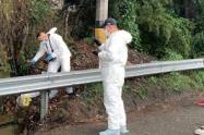 Las autoridades investigan si esta persona fue asesinada en esta zona rural de la ciudad.