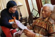 Nelson Mandela y su hija ZindziMandela