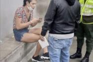 """""""Se utilizó la fuerza racional para retirar a la mujer trans del Metro"""": Policía de Medellín"""