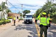 """Sancionan a 45 conductores de Medellín que le iban hacer """"conejo"""" a la cuarentena por la vida"""