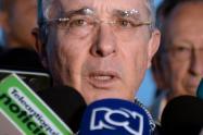 Corte Suprema permitió a Uribe seguir legislando mientras es investigado