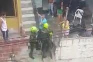 En otra asonada, tres policías resultaron heridos en el nororiente de Medellín