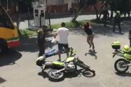 (video) Se rehusó al comparendo y todo terminó en asonada en el barrio Manrique
