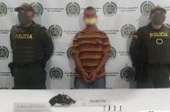 Capturan a dos venezolanos con una subametralladora en Medellín