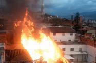 Los bomberos controlados dos incendios estructurales ocurridos en diferentes fábricas del  occidente y nororiente de Medellín