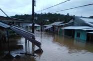 Las calles y cultivos están inundados.