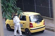 Pasajero mató a un taxista en Medellín y huyó en otro vehículo de servicio público