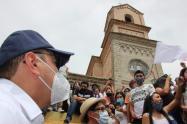 En medio de protestas el Presidente Duque llegó a Samaniego.